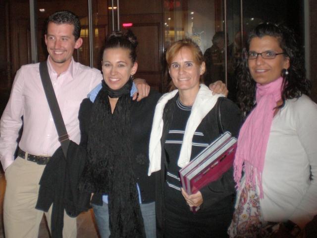 Geraldine Beneítez con la delegación del PP leonés